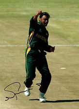 Shaoib AKHTAR Signed Autograph Pakistan Cricket World Cup Massive Photo AFTAL