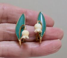 VINTAGE COSTUME JEWELLERY - ART DECO CARVED LILY OF THE VALLEY ENAMEL EARRINGS