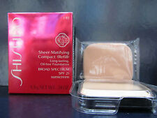 Shiseido Sheer Matifying Compact Foundation Refill B20 Natural Light Beige SPF22
