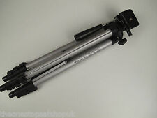 Lightweight tripod, 4 section extendable and two way panhead, FREE bag included