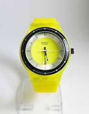 BRAND NEW! UNISEX SPORTS WATCH (YELLOW)