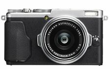 Fuji X70 fujifilm Digital Camera - Silver - Great Christmas gift!