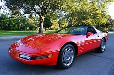 Chevrolet: Corvette 2 DR COUPE