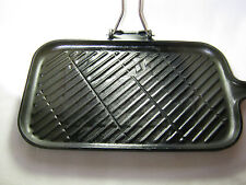 "LE CREUSET CAST IRON PORTABLE GRILL FRANCE 14 x 8"" REMOVABLE HANDLE 6LBS"