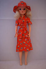 Pedigree SINDY doll Funtime  blonde hair in CITY SHOPPER outfit 70's