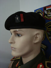 IRAQI REPUBLICAN GUARDS SENIOR OFFICER BLACK  BERET WITH RED STRIP & BADGE.RARE