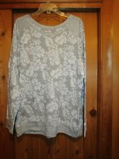 WOMEN'S PLUS SIZE GRAY AND WHITE PRINT HEAVY TOP SIZE  18/20
