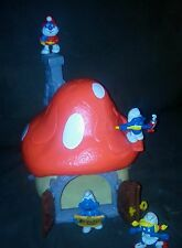 Large Vintage 1976 Schleich SMURF Mushroom House with 4 smurfs