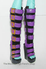 Monster High Shoes/Boots from First Wave Clawdeen Wolf Doll