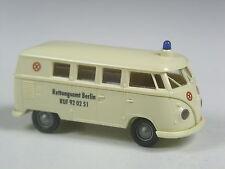 echt alt: Brekina VW T1 Bus Rettungsamt Berlin in OVP