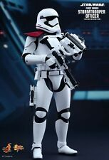 FIRST ORDER STORMTROOPER OFFICER Hot Toys 1/6 Figure (Star Wars) LAST ONE