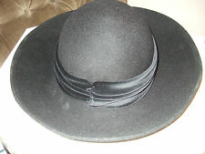 BN BLACK 100% WOOL HAT VELVET TRIMMED IN EXCELLENT CONDITION