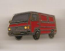 Pin's pin FOURGON MERCEDES UTILITAIRE (ref CL01)