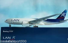 Hogan Wings 1:200 Boeing 777-200F LAN Airlines Cargo LI2506 +Herpa Wings Katalog