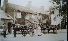 """PRINT 10"""" X 7""""  TURNERS ARMS MORTIMER BERKSHIRE HORSES AND TRAPS OUTSIDE c1910"""