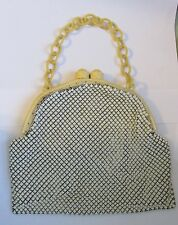 VINTAGE 1940'S WHITING DAVIS ALUMESH CREAM BAKELITE KISS CLASP HANDBAG PURSE