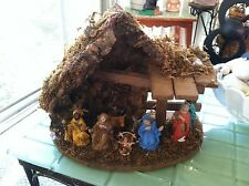 Creche Nativity Manger with 8 figures Made in Italy