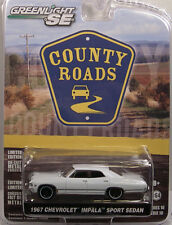 GREENLIGHT COLLECTIBLES 1:64 SCALE DIECAST METAL WHITE 1967 CHEVROLET IMPALA