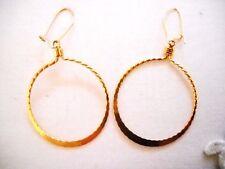 1980s ROPY TEXTURE GOLD TONE METAL DROP DANGLE HOOP EARRINGS