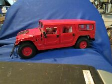 Hummer H2 SUV maisto 1/18 red  Special off- road wagon truck display no box