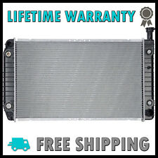 2042 New Radiator For Chevy Express GMC Savana 1500 2500 3500 4.3 V6 5.0 5.7 V8
