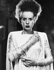 Elsa Lanchester UNSIGNED photo - B2099 - The Bride of Frankenstein