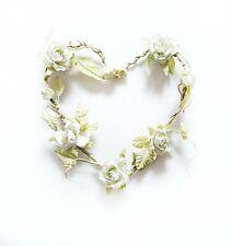 Corazón artificial en forma de Flor Rosa Corona / Garland En Crema De Sass y Belle