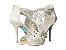 Blue by Betsey Johnson Livie ivory satin size 7 new in box