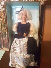 Raro/difícil de encontrar en caja original Avon de Invierno de Terciopelo/Invierno Prinzessin Barbie