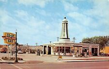 Postcard Co-Operative Oil Super Service Station in Rochester, Minnesota~108575
