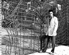 "Elvis Outside Graceland 10"" x 8"" Photograph"