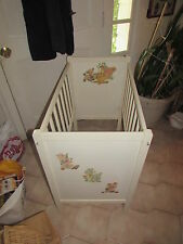 Antique Decorative Wood Baby Crib with Mattress