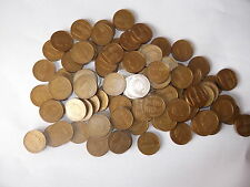 100 plastic £1 COINS - Sterling design play money -  NEW Maths for school