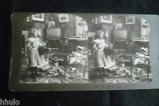 STB441 Scène de genre Appareil photo poupée stereoview photo STEREO albumen