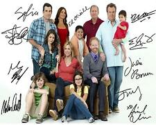 MODERN FAMILY CAST REPRINT AUTOGRAPHED SIGNED PICTURE PHOTO AUTO COLLECTIBLE RP