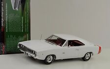 1968 Dodge Charger R/T white Holiday Edition 1:18 Auto world Ertl
