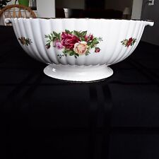 "Royal Albert OLD COUNTRY ROSES Fluted 9"" Serving Bowl Footed w/Side Handles New"