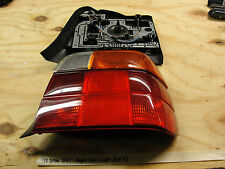 OEM 98 BMW 318i RIGHT PASSENGER SIDE TAIL LIGHT LENS WITH BULB COVER BACK PLATE