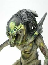 Hot Toys Movie Masterpiece AVP2 Predalien Battle Damaged Ver 1/6 figure