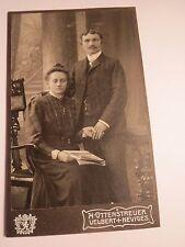 Velbert - Neviges - Paar - Mann mit Frau im Kleid - Zeitschrift - Kulisse / CDV