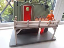 TOM THOMAS FIGURE WITH MOUNTAIN RESCUE LODGE FROM FIREMAN SAM