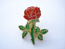 SALE VINTAGE RED ROSE FOOTBALL ENGLAND RUGBY PATRIOT FLOWER PLANT PIN BADGE 99p