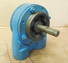 """Tuthill Hydraulic Gear Pump 2RC1FA-RH 1"""" NPT 5/8"""" Shaft Dia New"""