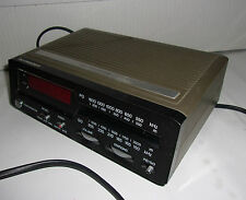 RADIO REVEIL ELECTRONIQUE SCHNEIDER ELECTRONIC CLOCK RADIO / VINTAGE