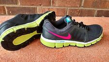 Nike youth size 6 = womens size 8 Dual Fusion st2