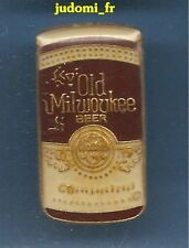 Pin's pin BIERE beer old milwaukee MARRON (ref 030)