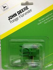 1/64 ERTL JOHN DEERE FORAGE HARVESTER W/ GREEN HEAD