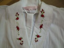 NEW Vintage Victorias Secret White Twill Cotton Long Red Roses Robe Womans sz M
