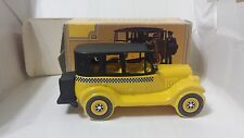 Avon 1926 Checker Cab Wild Country After Shave Full! In Box Decanter Vintage