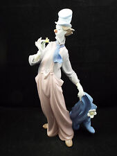 Lladro Figurine #6507 A Mile of Style, Tall Clown Holding Flower, with box
